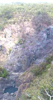 バロン川の滝